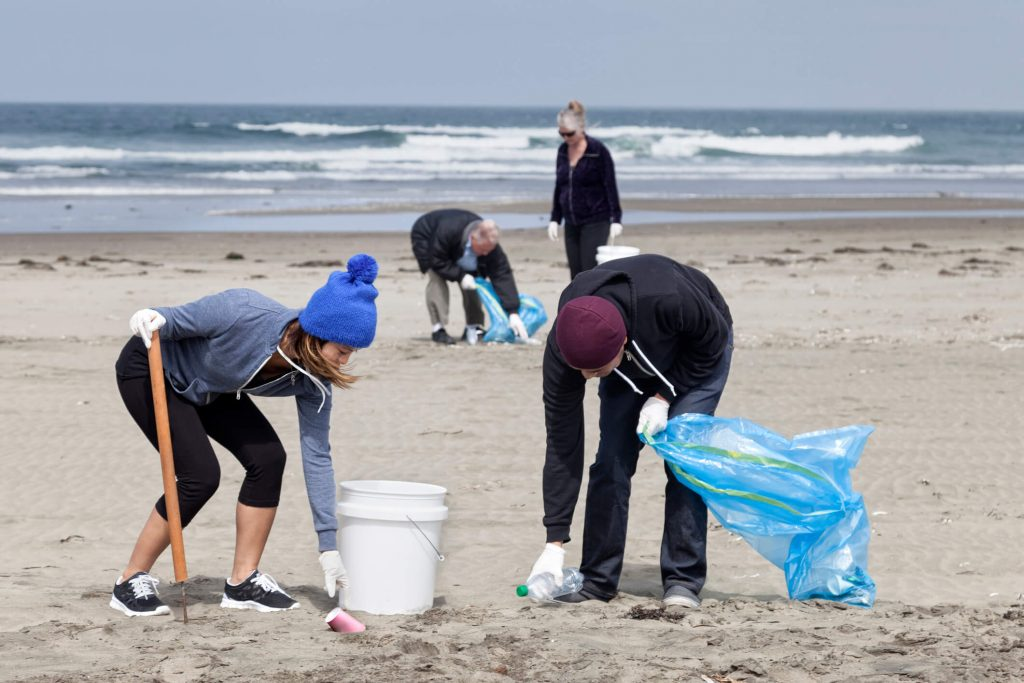 Beach cleanups are a great voluntourism opportunity.